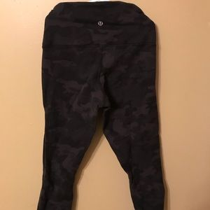 Lululemon 3/4 camo leggings